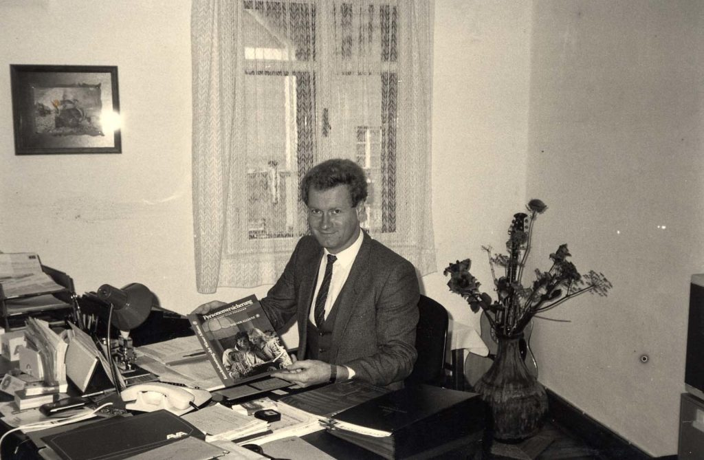 erstes Büro